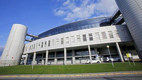 Hospital Montecelo, en Pontevedra, donde este martes hay ingresados 18 pacientes covid, 11 en planta y 7 en la uci