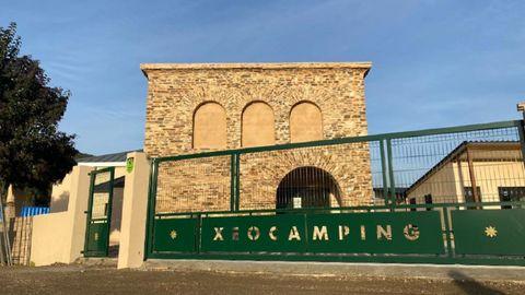 El edificio que albergará el museo, terminado el pasado noviembre, se encuentra en el recinto del futuro cámping de Ribas de Sil