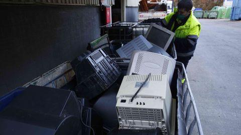 El punto limpio recibió un total de 414 televisores y monitores