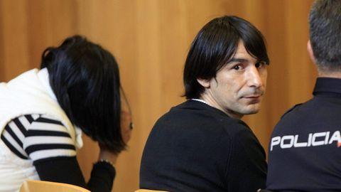 Prado Riveiro y Adriana Amenedo, en el banquillo de los acusados de la Audiencia durante la celebración del juicio por el doble crimen de Betanzos