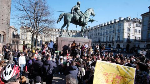 Manifestantes en Turín