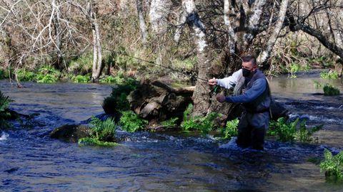 Primer día de pesca en el río Narla