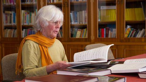 A musicóloga suíza Dorothé Schubarth, coa colaboración de Antón Santamarina, é a autora pioneira dun dos máis importantes labores de compilación sobre o cancioneiro popular galego