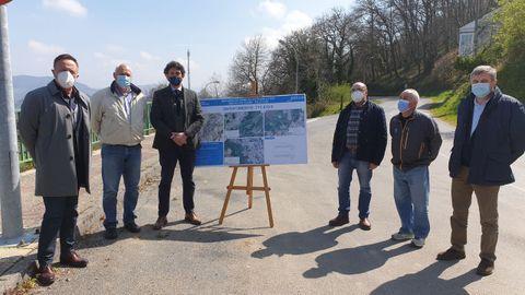 Presentación do proxecto da Xunta co alcalde de Becerreá, Manuel Martínez
