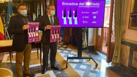 El concejal de Turismo y Hostelería, Alfredo García Quintana y el presidente de Otea, José Luis Álvarez Almeida, en la presentación de los Bocados del Cofrade