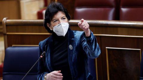 Isabel Celaá interviniendo este miércoles en el pleno del Congreso