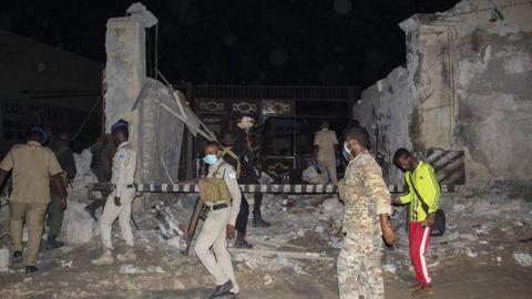 Al Shabaab, al que se apunta como responsable del asedio a Palma, reivindicó un ataque suicida a principios de mes en un restaurante de Mogadiscio (en la imagen)