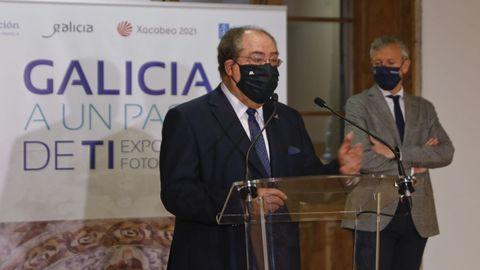 Miguel Ángel Escotet, esta mañana durante la presentación de una exposición