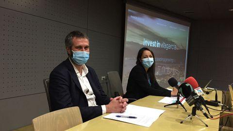 Alberto Varela y Alba Briones presentaron el portal Invest In