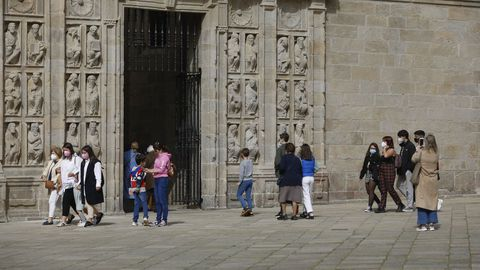 La escasez de peregrinos hace posible cruzar la Porta Santa sin tener que esperar colas