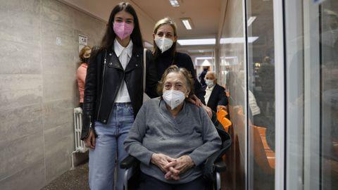 Andrea Valiñas, Mercedes González y Silvia Fernández, tres generaciones de una misma familia