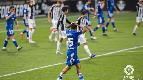 Nahuel se lamenta durante el Castellón-Real Oviedo
