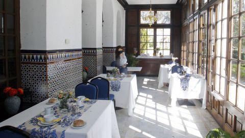 En la imagen, el comedor situado en la galería del Pazo Libunca, cuya construcción se remonta a 1922