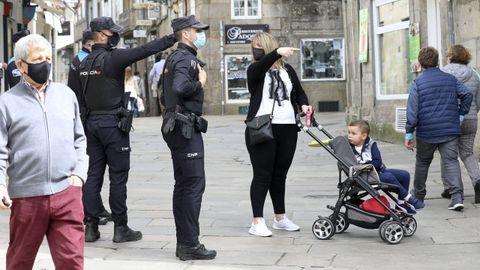 La Policía Nacional y la Local montaron amplios dispositivos en Santiago para vigilar el cumplimiento de las restricciones por la pandemia durante la Semana Santa