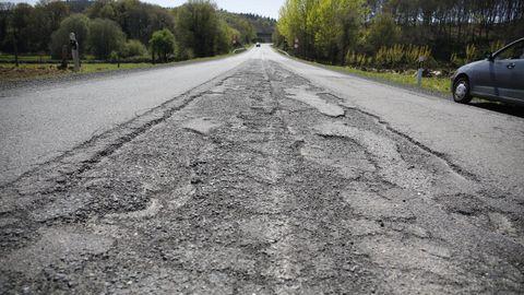 Son mínimos los trazos bien asfaltados de la histórica carretera que une las dos ciudades del interior