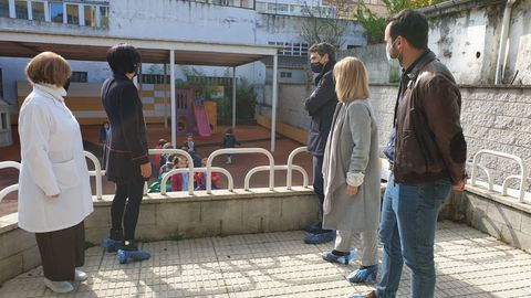 Visita do delegado da Xunta á escola infantil de Paradai