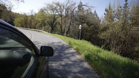 Sin quitamiedos en la carretera entre Baralla y la A-6 en Neira de Rei