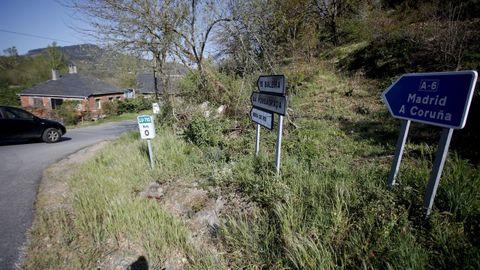 Acceso a la carretera entre Baralla y la A-6 en Neira de Rei