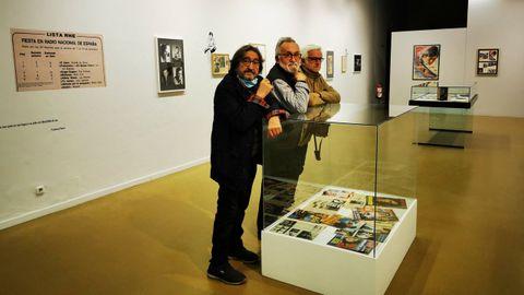 Molares, Alcalá y Rubia coincidieron visitando la exposición homenaje a su mutuo amigo Andrés Do Barro