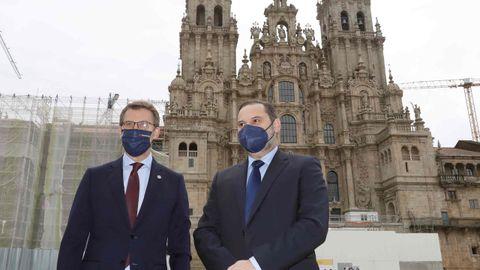 Feijoo y Ábalos, esta mañana en el Obradoiro, antes de iniciar su reunión