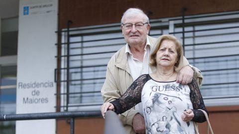 Victoriano Carracedo y María Dolores Parrilla viven en la residencia de mayores de Caranza