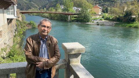 Orlando Saavedra en el Porto da Barca en O Barco de Valdeorras