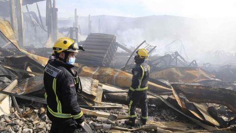 Los bomberos de Lugo continúan trabajando