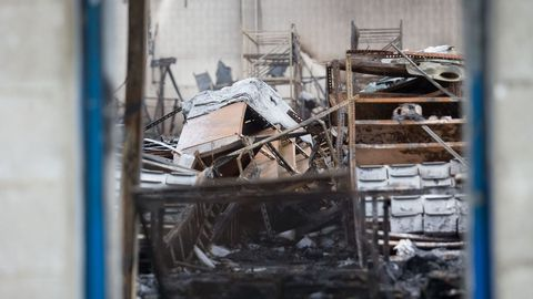 El fuego hizo jirones estructuras metálicas enteras