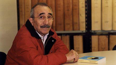 El periodista Luis Rodríguez en la sede de La Voz en Lugo en 1998
