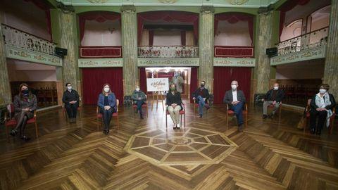 El acto de presentación tuvo lugar en el Salón Regio del Círculo de las Artes y fue presidida por Luis Latorre, de la Sociedad Filatélica de Lugo
