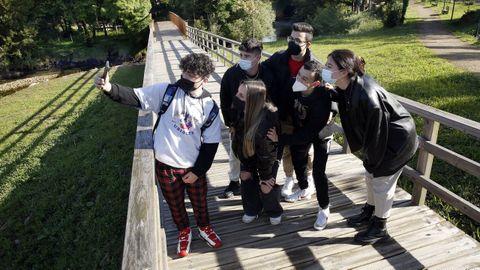 El paseo del río Coroño, en Boiro, es un lugar muy frecuentado y fotografiado