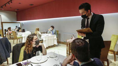 El restaurante San Miguel tiene un buen número de reservas para todo el fin de semana e incluso tuvo que rechazar algunas. Ya instaló medidores de CO2