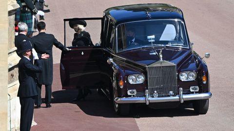 La duquesa de Cornualles llegando a la capilla de San Jorge en el castillo de Windsor