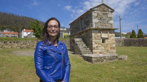 María Canosa, escritora e ingeniera ceense, moderó el acto