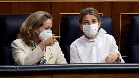 Nadia Calviño y Yolanda Díaz en el Congreso