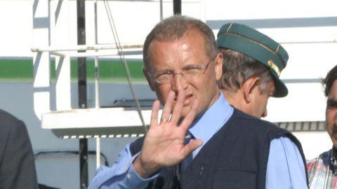 Imagen de archivo de Lino Alonso, en el año 2003, duranre el desembarco de 3.000 kilos de cocaína requisados a bordo del barco Poseidón I en un operativo conjunto con la Guardia Civil.