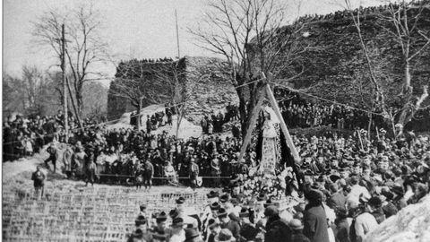 O 9 de abril de 1921 celebrouse un acto e unha festa pola colocación da primeira pedra do Hospital de Santa María