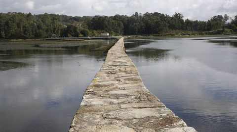 Salinas do Ulló, en Paredes, Vilaboa, con marea alta