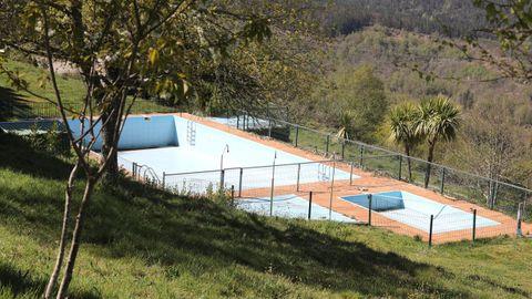 La piscina es gratis para los campistas