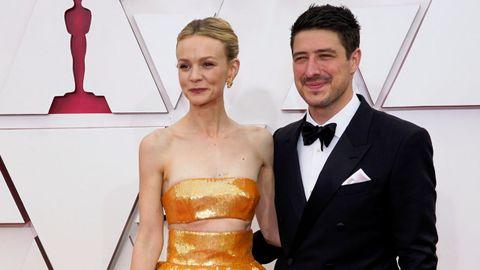 Carey Mulligan, nominada a Mejor actriz por «Una joven prometedora», junto a su marido, el músico Marcus Mumford, de Mumford and Sons