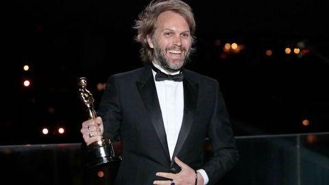 Los debutantes Christopher Hampton y Florian Zeller, en la foto, se llevaron el Óscar a mejor guion adaptado por «El padre»