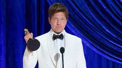 La película «Otra ronda», del director Thomas Vinterberg y con Mads Mikkelsen como protagonista, cumplió los pronósticos y le dio a Dinamarca el Óscar a la mejor cinta internacional