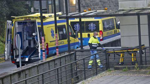 Acceso de ambulancias al hospital Montecelo, en Pontevedra