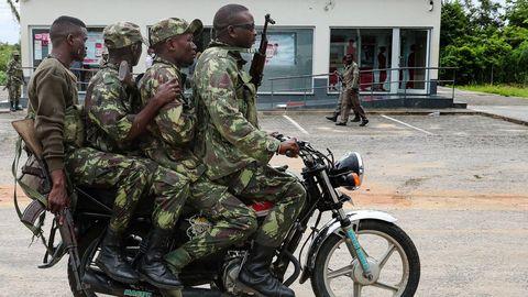 Soldados mozambiqueños, en las calles de la ciudad de Palma