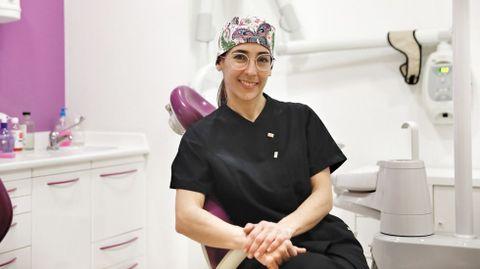 Raquel Piñón es la presidenta del Colegio de Dentistas en Ourense