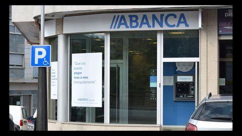 Los clientes de Valga pasarán a tener como referencia la oficina de Pontecesures