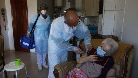 Vacunación a domicilio en Pontevedra