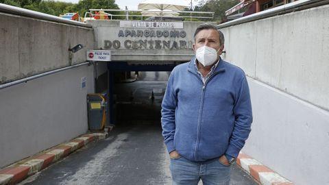El alcalde, Manuel Ruiz, acudió al párking para hablar con los trabajadores y ver las instalaciones