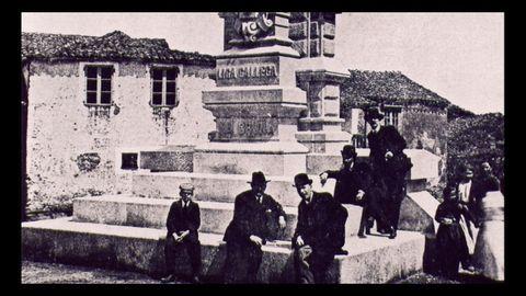 Monumento dedicado ao Mártires de Carral no século XIX