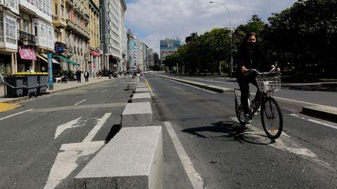 La reforma incluye la construcción de un carril bici en el extremo de la nueva acera, discurrirá casi a la altura de la actual mediana.
